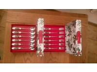 Portmeirion holly and ivy tea spoons and pastry forks