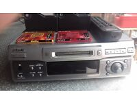 Sony Minidisc Recorder Player MDS-S40; Dim: 27x27x8 cms, + 2 boxes of discs + remote + manual