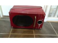 Red DEAWOO microwave