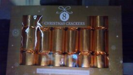 christmas crackers 8 christmas crackers gold and silver only £1 abox have 60 boxes left