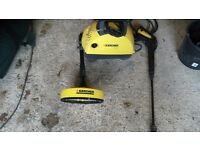 Karcher car / patio washer comes with 2 attachments in good working order