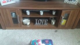 tv unit with matching lamp table