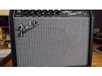 Fender Vibro Champ XD Valve Combo as new with manual