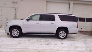 2016 GMC Yukon XL SLT, Leather, Sunroof, 8 Passenger, Bluetooth