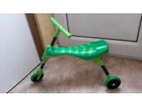 Scuttlebug green Grasshopper