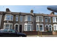 First Floor 2 bed flat 5 mins walk to Upton Park Tube Station Close to Banks, shops & transport!!!