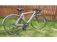 Adult road bike - Carrera Valour Road Pro