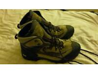 Vibram goretex walking boots size 10