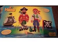 Hana beads pirates