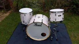 Pearl wood fibreglass drum kit