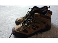 Men's walking hiking boots size 10 - never been worn