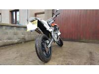 Aprilia SX 50 (very low millage and great condition)