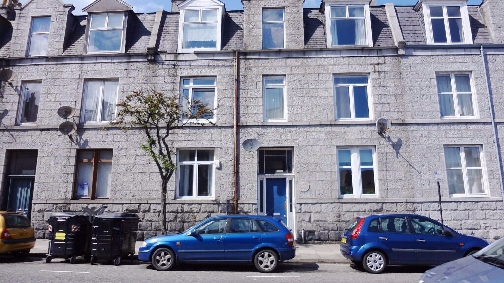 AM-PM ARE PLEASED TO OFFER THIS SPACIOUS 2 BED PROPERTY - CITY CENTRE - ABERDEEN - P1176