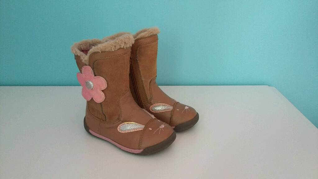 Clarks leather boots for little girl size 5F