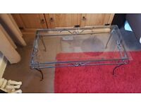 living room glass top coffee table in ex cond charcoal metal frame £20 bargain