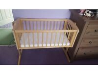 Baby swinging crib with mattress