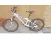Girls carrera mountain bike