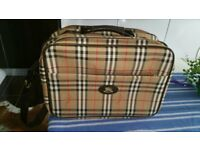 Genuine and origianl Burberry House Check Leather and canvas flight bag