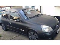 Black Renault Clio Sport 182 16V