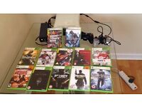 Xbox 360 white 12 games 2 pads
