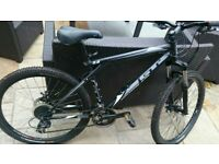 GT Avalanche 3.0 adult bike