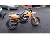 2009 pulse 125cc motd to September really good wee bike