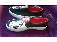 Disney Minnie mouse canvas shoes size 5