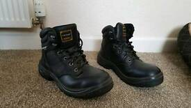 Men's steel toe capped work boots