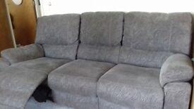 2 piece reclining suite.