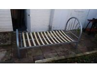METAL SINGLE BED FOR SELL IN GOOD CONDITION AND VERY SOLID