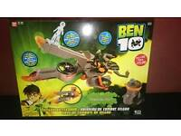 Brand new Ben 10 battle ship with figures great Xmas gift