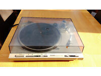 Technics SL-D303. Direct drive fully automatic turntable
