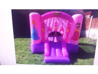 Happy hop princess bouncy castle, only used twice, vgc, with electric blower, age 3-10, with box.