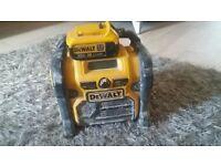 Dewalt DAB Radio with 4AMP Lithium Battery