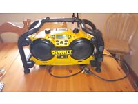 Dewalt DC011 Site Radio, battery charger, in mint condition, see photo & details