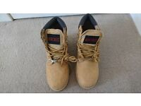 Ladies Size 6 Hercules Safety Boots.