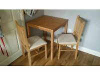 Small table and chairs. Fantastic condition.