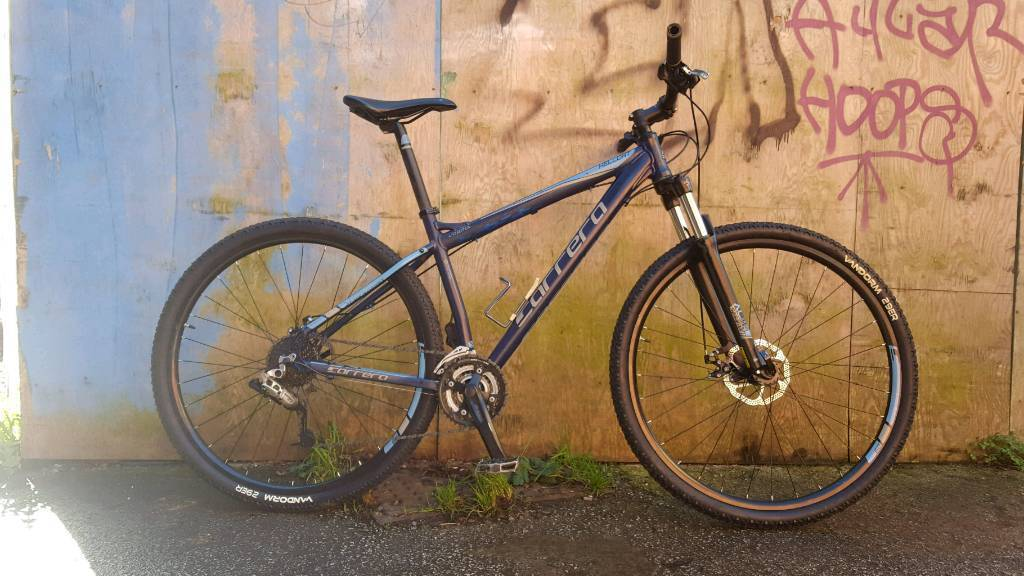 Carrera hellcat ltd edition 2017 18 inch frame 24 speed 29 inch disc brake wheels mountain bikes