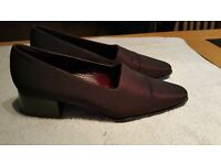 Ladies Nine West Shoe size 4.5