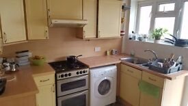 ALL BILLS INCLUDED LARGE ROOM IN WIMBLEDON NEXT TO STATION