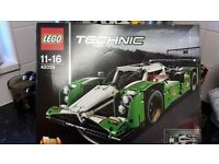 lego technics( 40239)brand new only opened to photograph