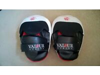 GREAT QUALITY BOXING PADS!!! VALOUR STRIKE BOXING FOCUS PADS WITH GEL-TEC TECHNOLOGY