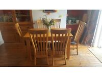 **SOLD** Extendable dining table and 6 chairs (solid oak)