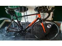 giant defy road bike medium frame