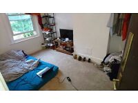 Bright, airy 3 bedroom flat to rent in Hanover/Lewes road area. FREE on street parking