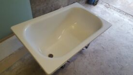 Bath for sale compact steel and immaculate