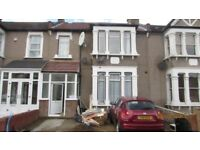 Spacious 2 Bedroom Ground Floor Flat With Garden in Aldborough Road south, Sevenkings
