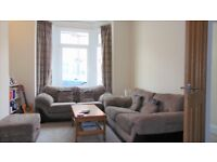LARGE TWO BED STUDENT HOUSE TO LET £1000 PER MONTH