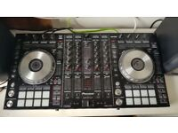 Great Condition Pioneer DDJ SX2 with Deck Saver and Gator Carry Case