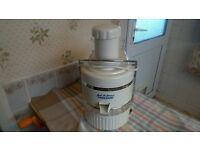 Jack La-Lanne Power Juicer 200 w Very Good Clean Condition